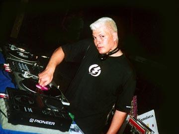 DJ Kuark - Gaypride 2001